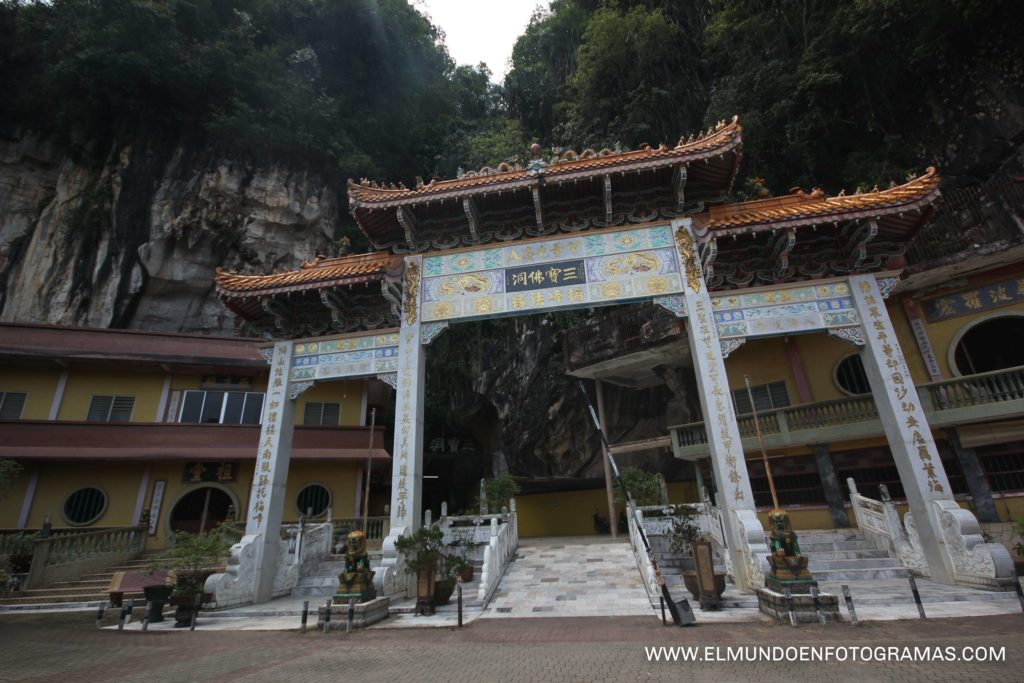 Sam-Poh-Tong-Temple