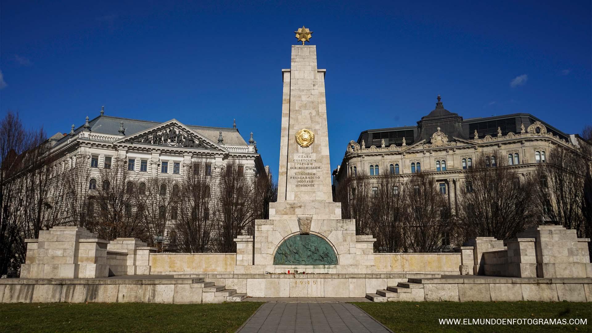 Monumento-sovietico